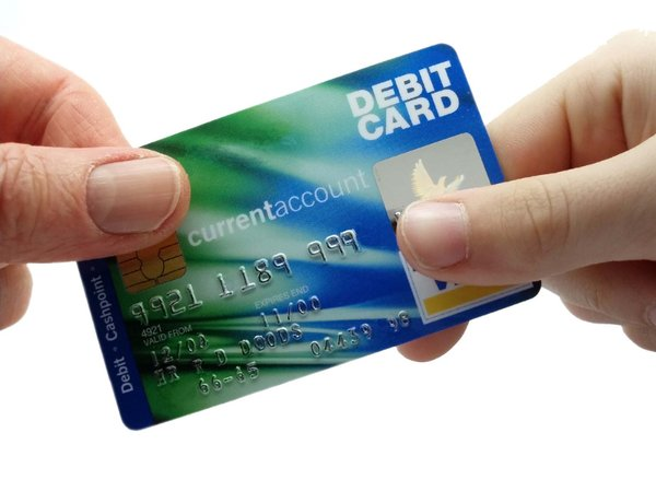 the details about debit and credit cards plastic money - Plastic Credit Card